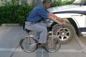 车架杠杆重力驱动免折叠健身自行车